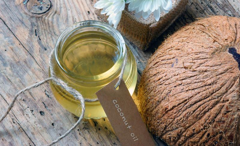 masaż olej kokosowy
